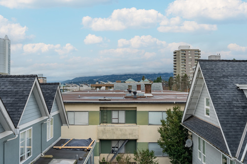 31 at 304 - 175 E 4th Street, Lower Lonsdale, North Vancouver