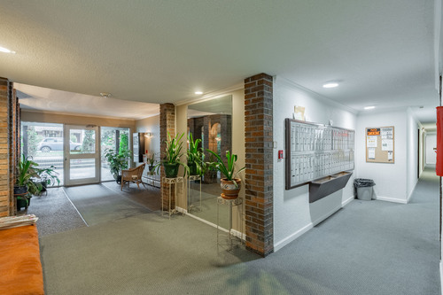 5 at 304 - 175 E 4th Street, Lower Lonsdale, North Vancouver