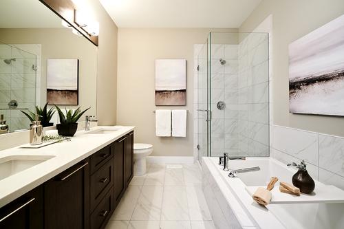 6-b-plan-bath at 8 - 7979 152 Street, Fleetwood Tynehead, Surrey