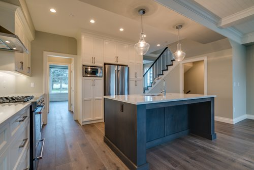 37947_15 at 15498 Russell Avenue, White Rock, South Surrey White Rock
