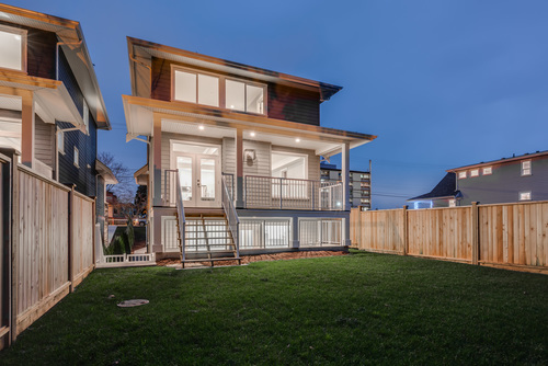 37947_7 at 15498 Russell Avenue, White Rock, South Surrey White Rock