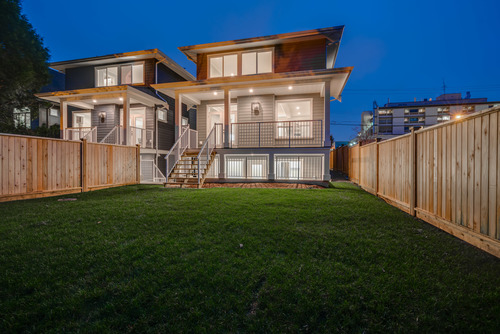 37947_8 at 15498 Russell Avenue, White Rock, South Surrey White Rock