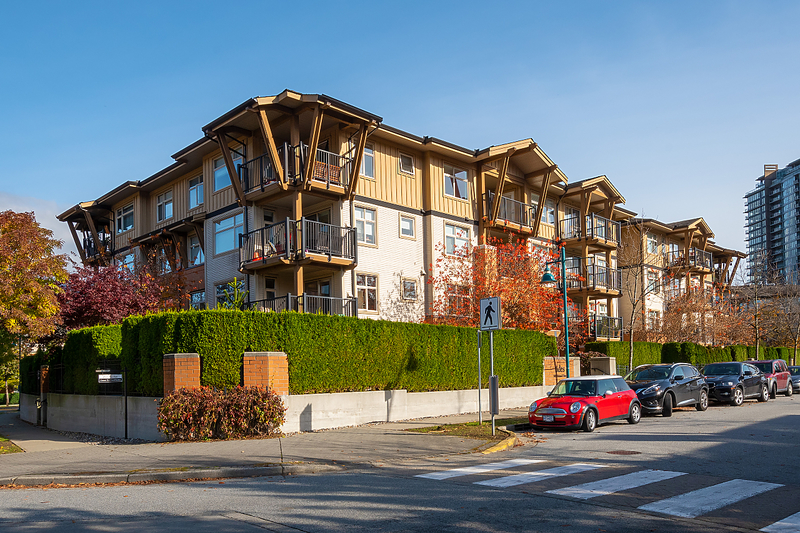 002 at 213 - 500 Klahanie Drive, Port Moody Centre, Port Moody