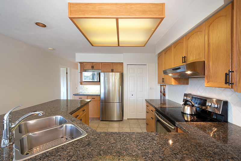 012 at 18 Parkwood Place, Heritage Mountain, Port Moody