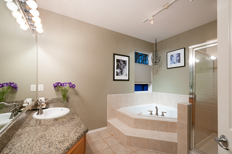 025 at 20 Chestnut Way, Heritage Woods PM, Port Moody