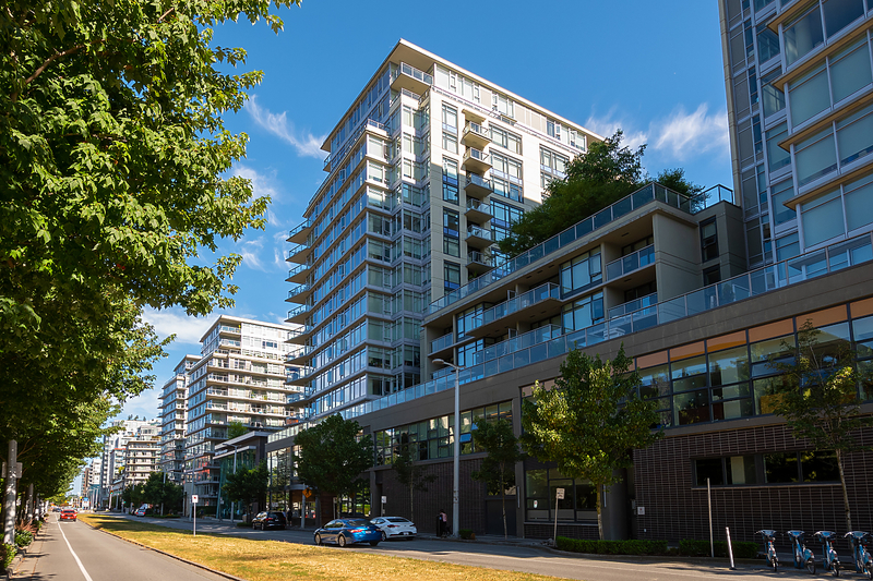 001 at 909 - 168 W 1st Avenue, False Creek, Vancouver West