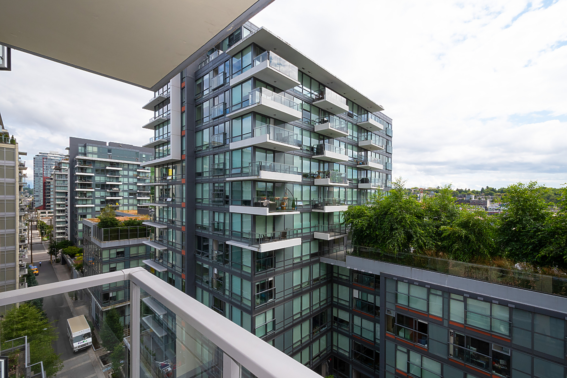 009 at 909 - 168 W 1st Avenue, False Creek, Vancouver West