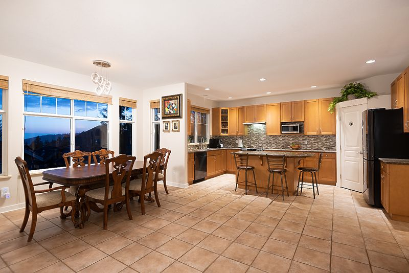 037 at 3 Fernway Drive, Heritage Woods PM, Port Moody