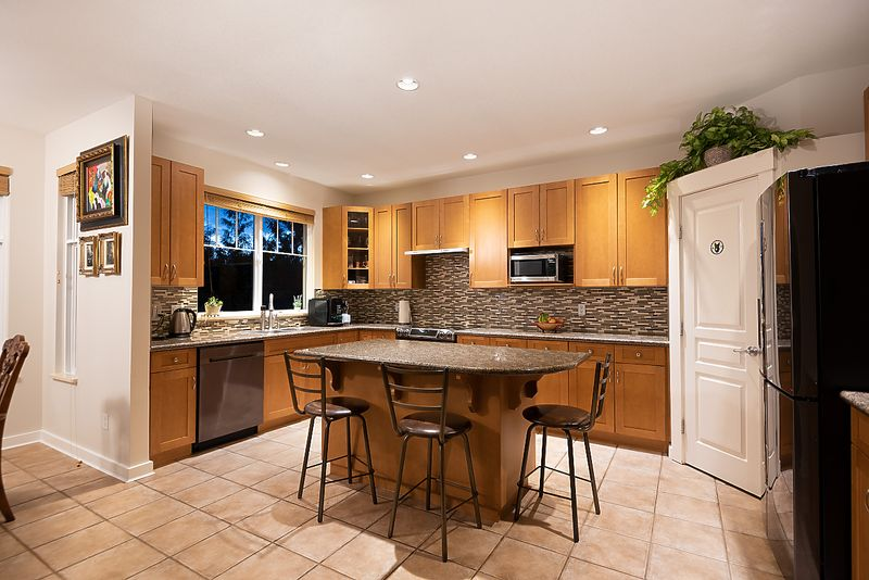 041-1 at 3 Fernway Drive, Heritage Woods PM, Port Moody