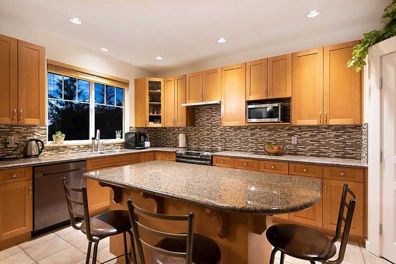 043 at 3 Fernway Drive, Heritage Woods PM, Port Moody