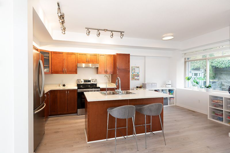 kitchen at 91 - 55 Hawthorn Drive, Heritage Woods PM, Port Moody