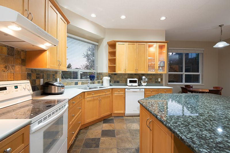 033 at 11 Cliffwood Drive, Heritage Woods PM, Port Moody