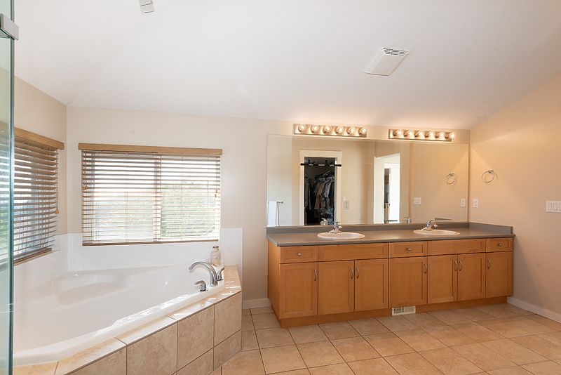 059 at 11 Cliffwood Drive, Heritage Woods PM, Port Moody