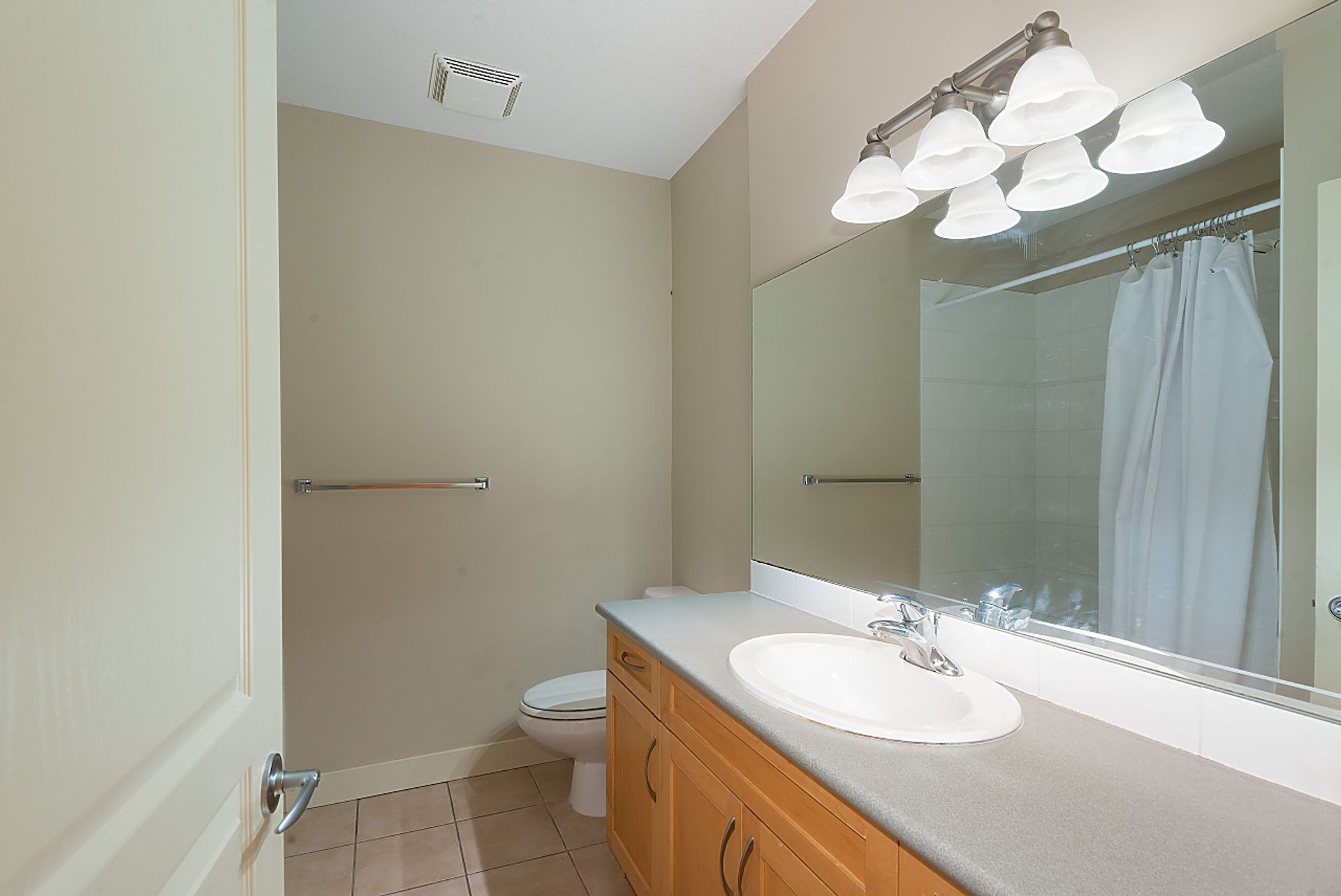 083 at 11 Cliffwood Drive, Heritage Woods PM, Port Moody
