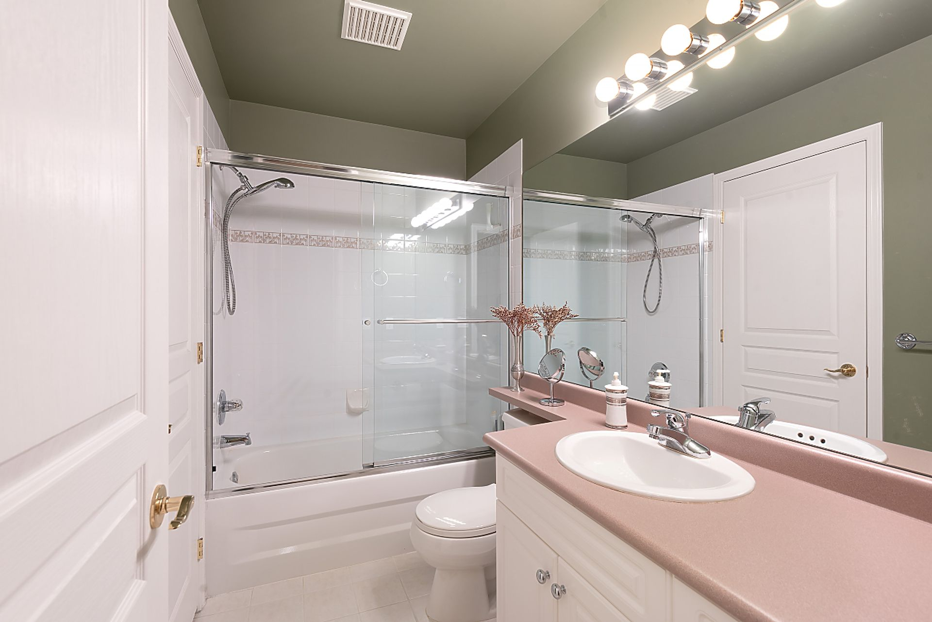 050 at 514 - 1485 Parkway Boulevard, Westwood Plateau, Coquitlam