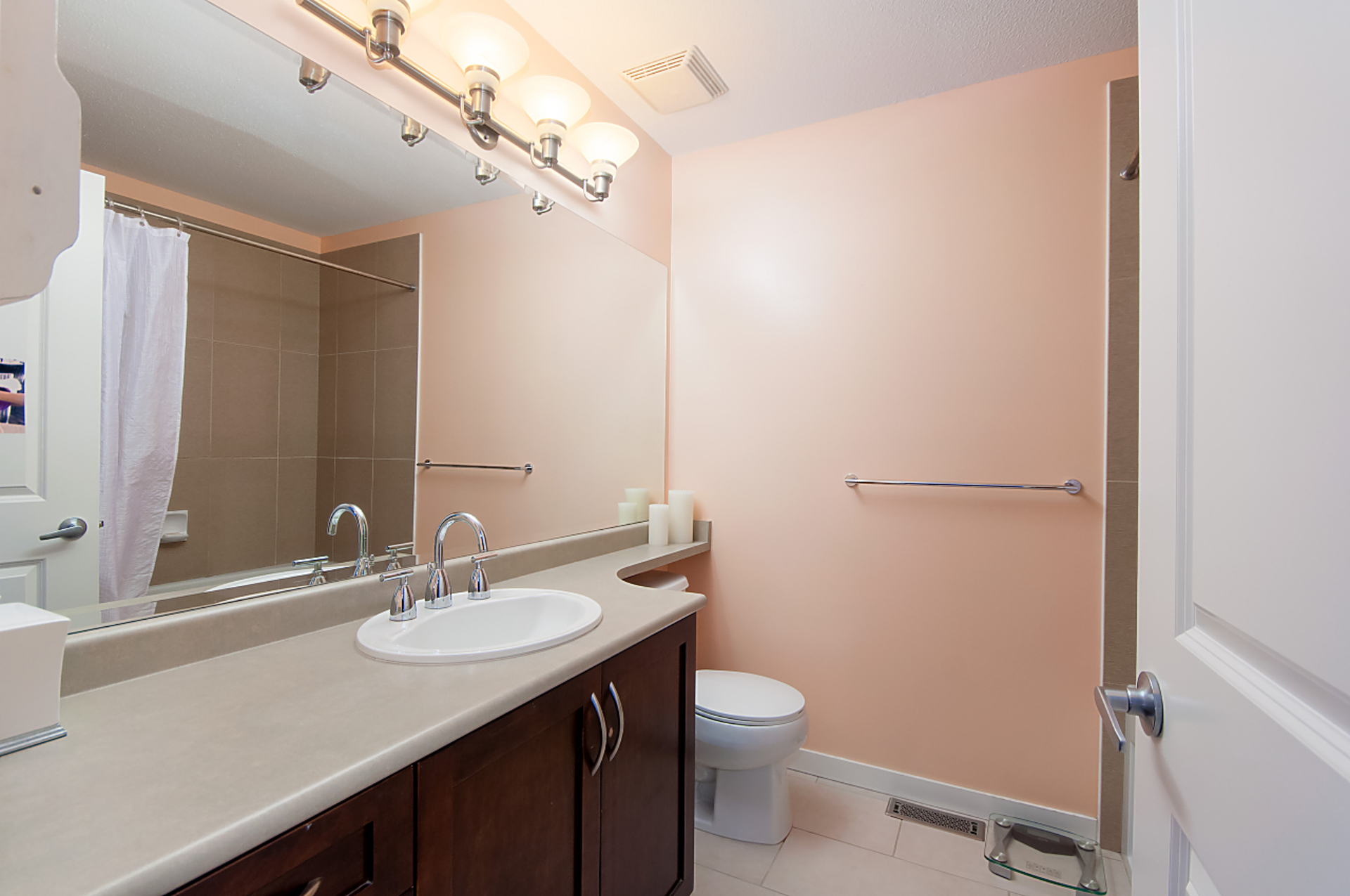 master-bath at 31 - 55 Hawthorn Drive, Heritage Woods PM, Port Moody