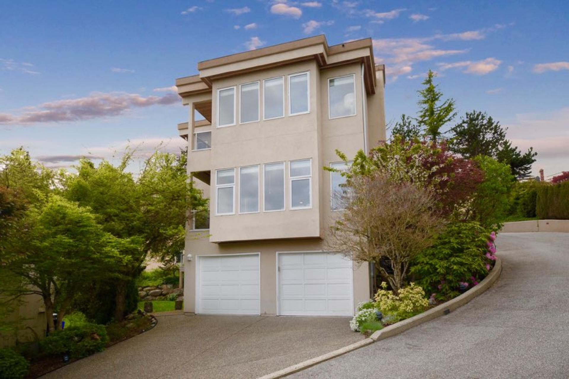 2554 -  Westhill Close, Westhill, West Vancouver