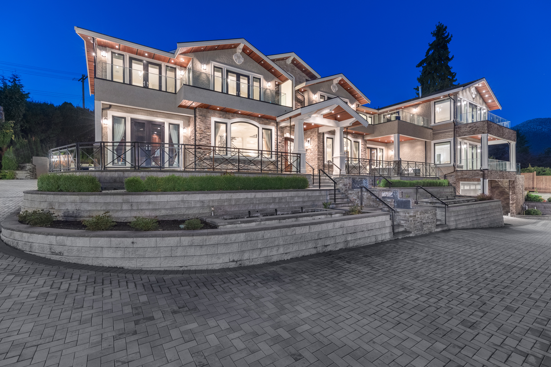at 735 King Georges, British Properties, West Vancouver