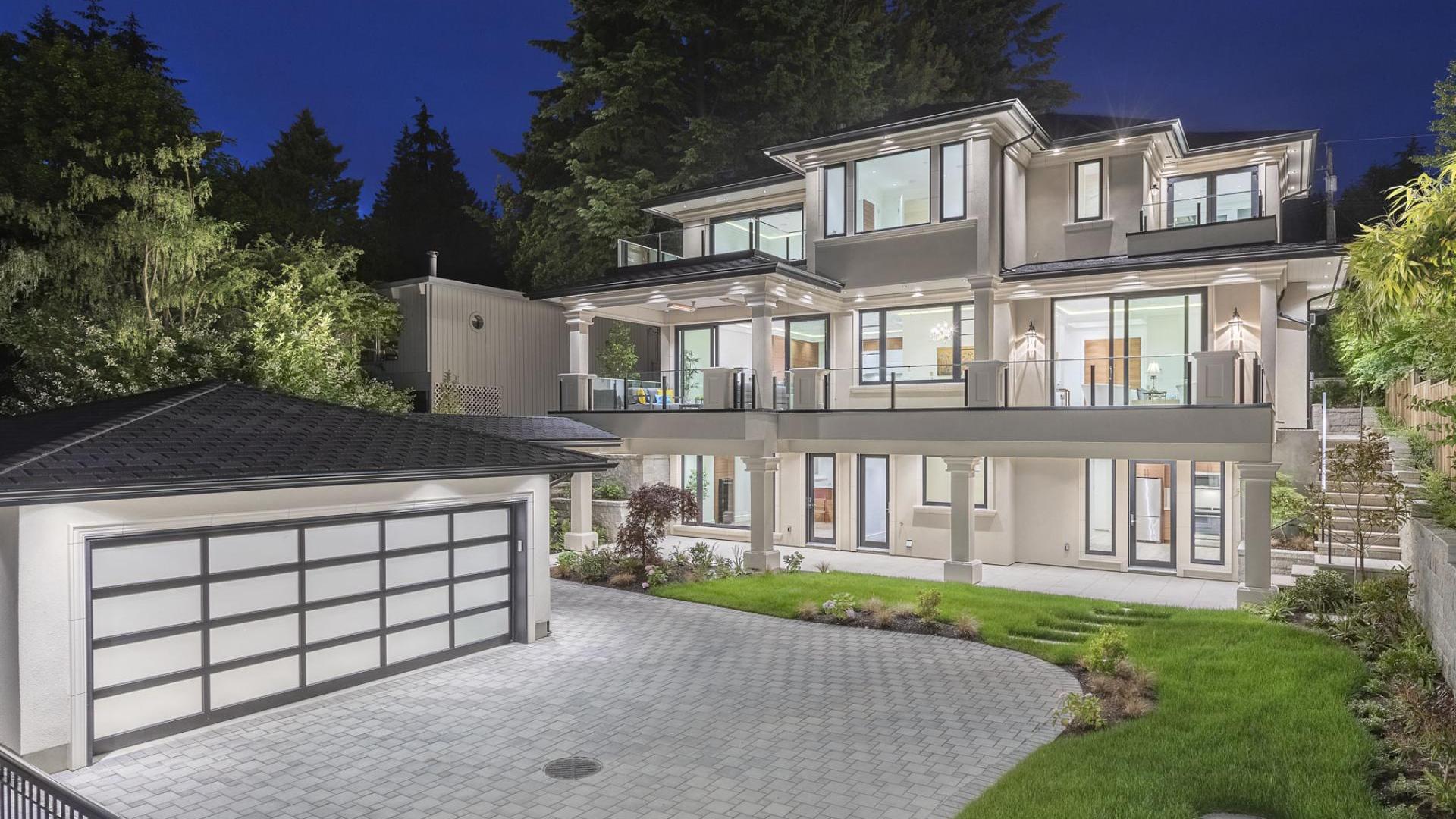 1724 Palmerston Avenue, Ambleside, West Vancouver