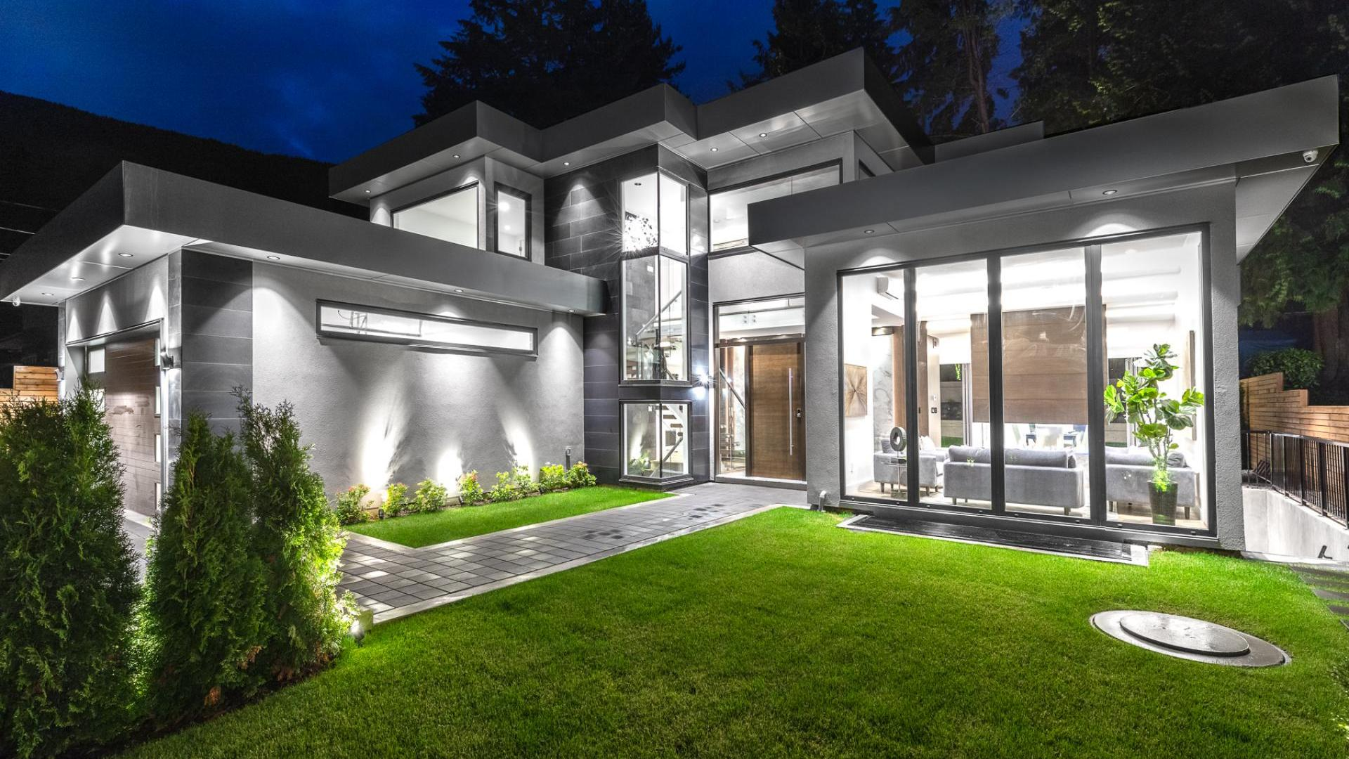 4582 Highland Boulevard, Canyon Heights NV, North Vancouver