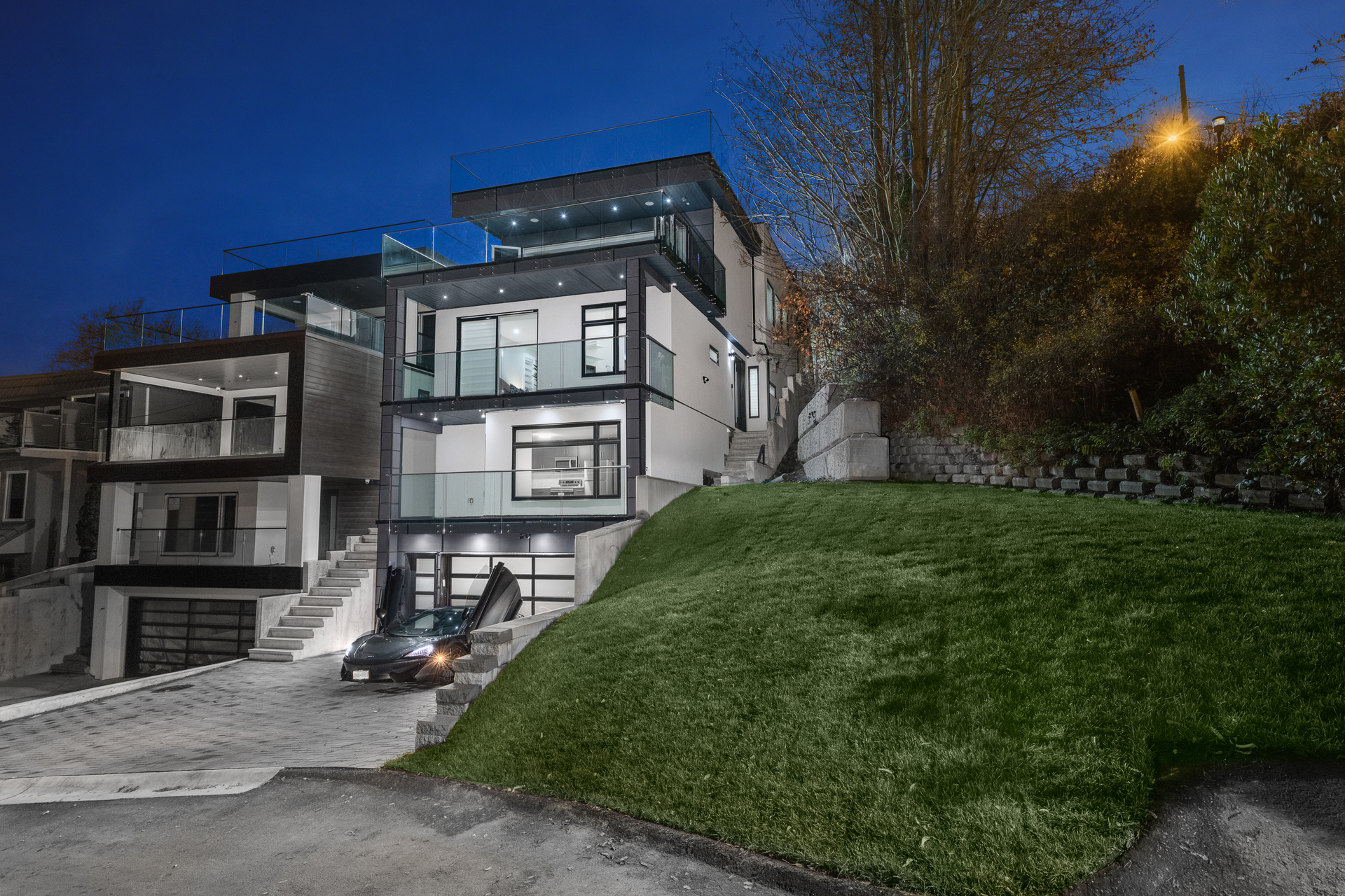 at 14999 Blackwood Lane, South Surrey White Rock
