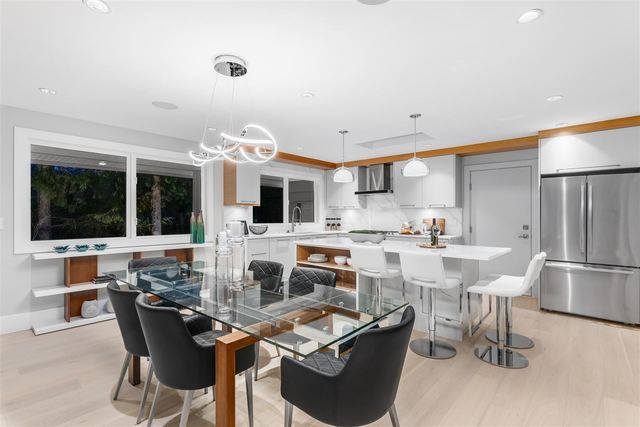 at 368 St. James Crescent, British Properties, West Vancouver