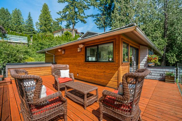 at 3925 Viewridge Place, Bayridge, West Vancouver
