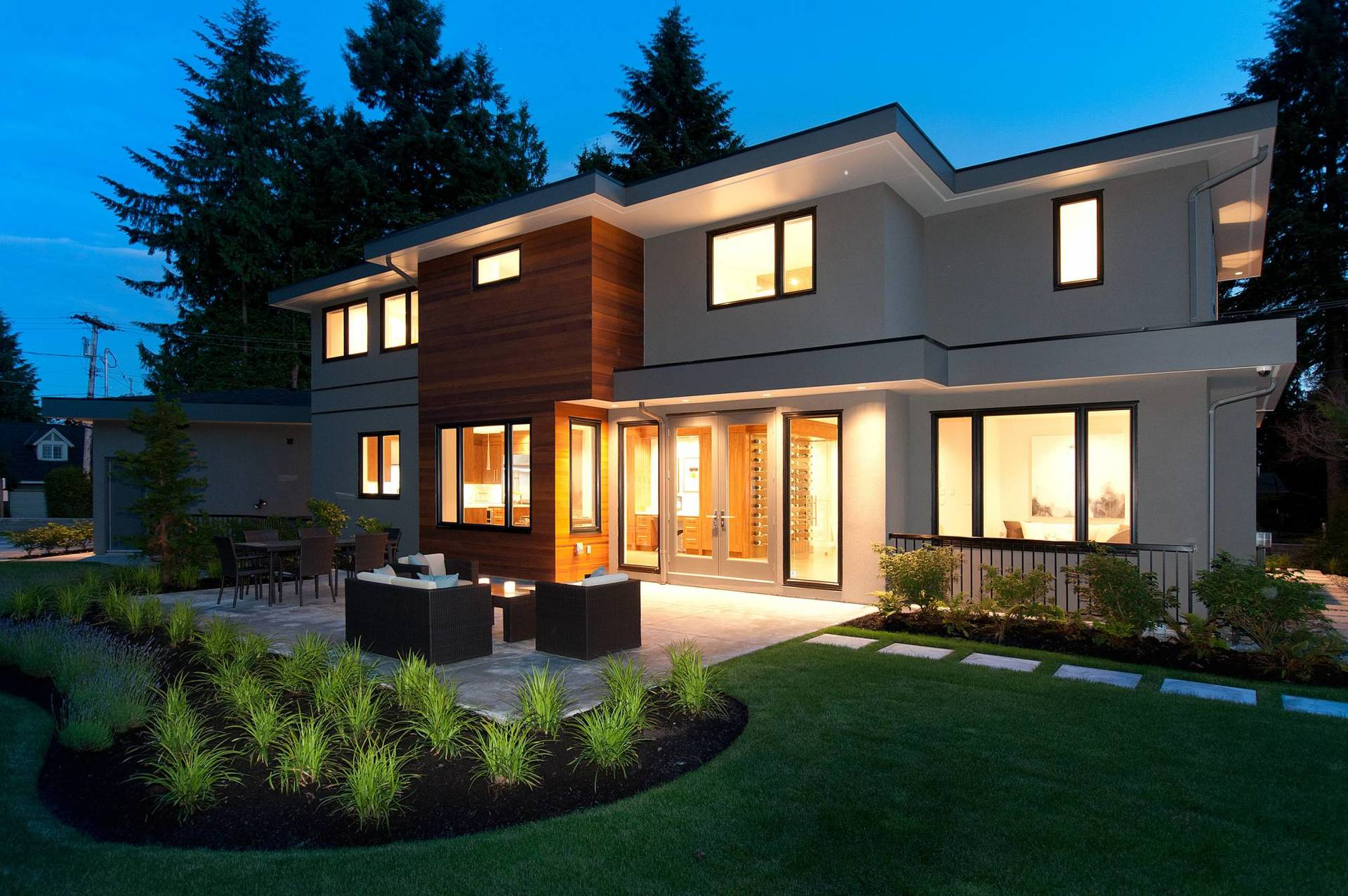 016 at 2590 Newmarket Drive, Edgemont, North Vancouver