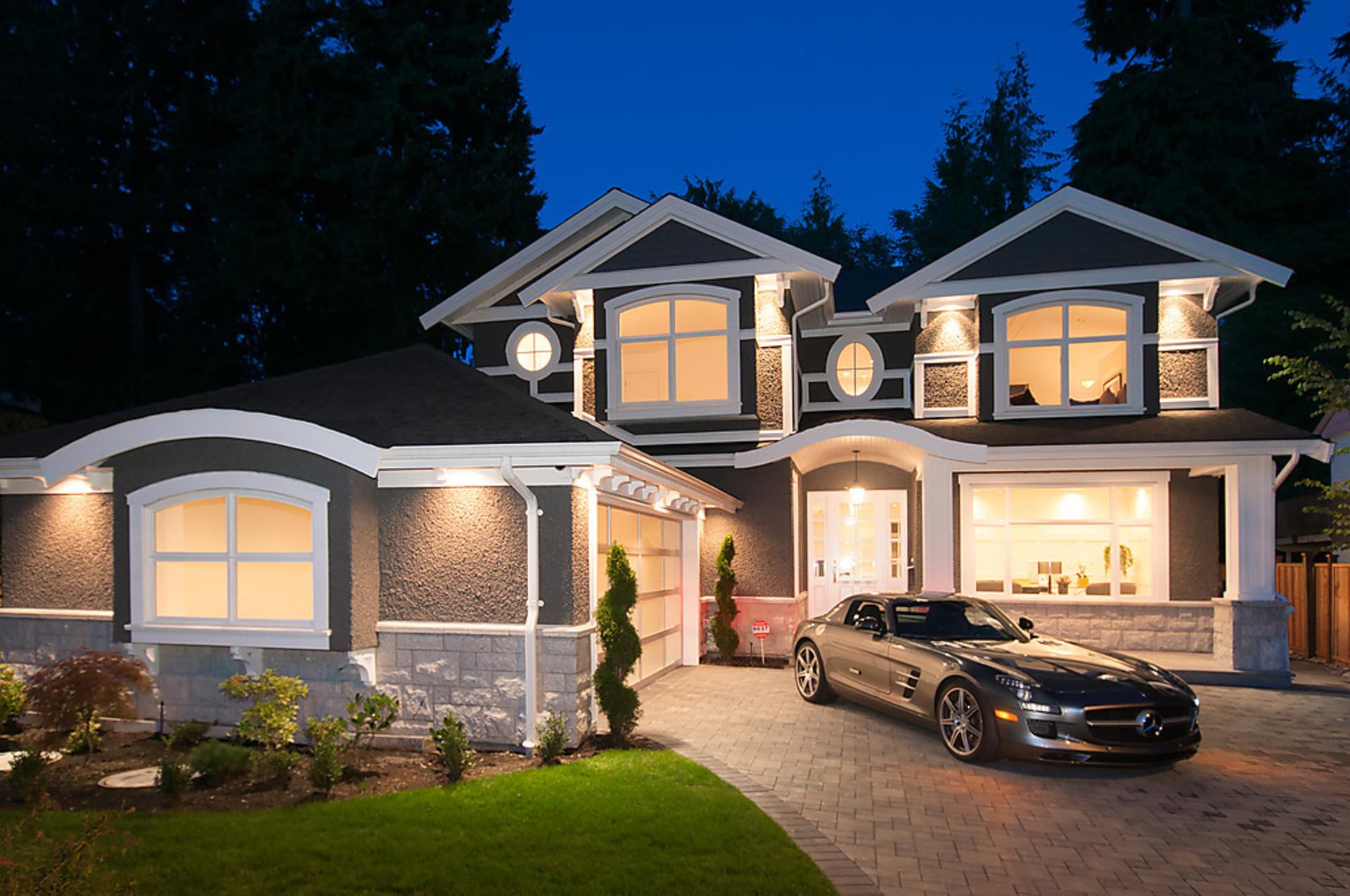 001 at 3804 Loraine Avenue, Edgemont, North Vancouver