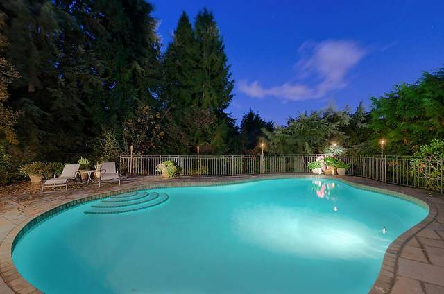 new007 at 3260 Mathers Avenue, Westmount WV, West Vancouver