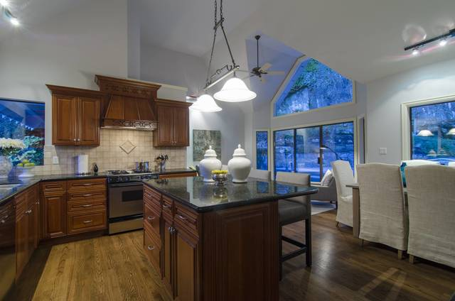013 at 4660 Willow Creek Road, Caulfeild, West Vancouver
