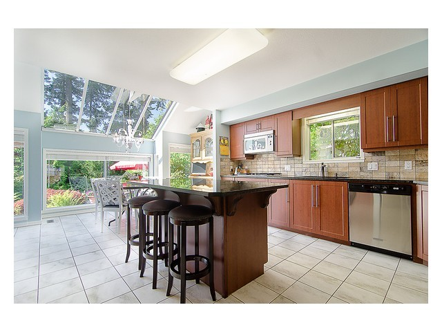 v98720030194 at 5732 Westport Court, Eagle Harbour, West Vancouver