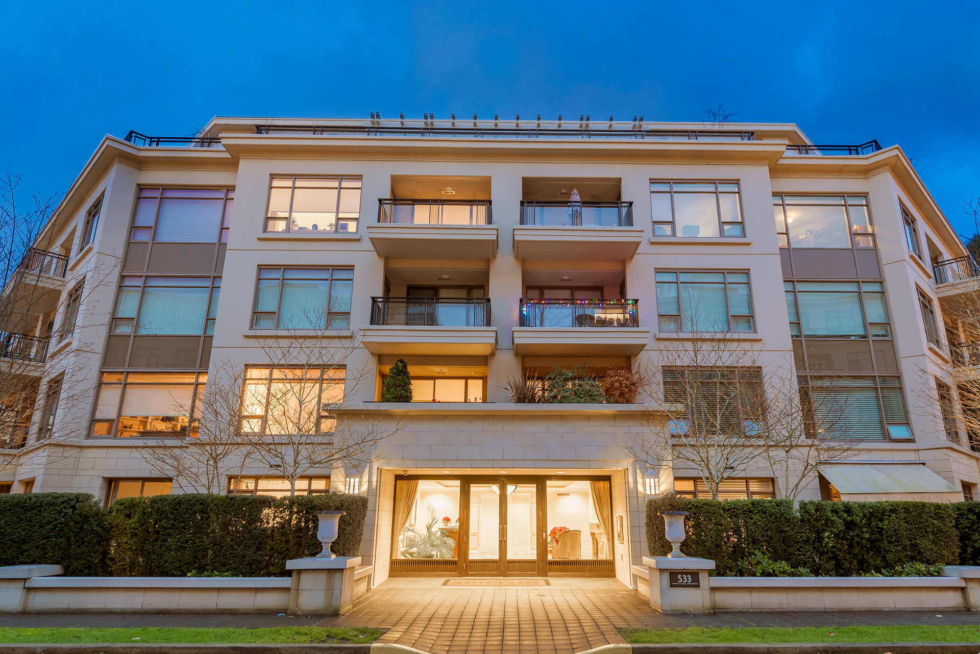 001 at 401 - 533 Waters Edge Crescent, Park Royal, West Vancouver
