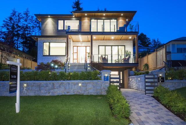 002 at 1117 Lawson Avenue, Ambleside, West Vancouver