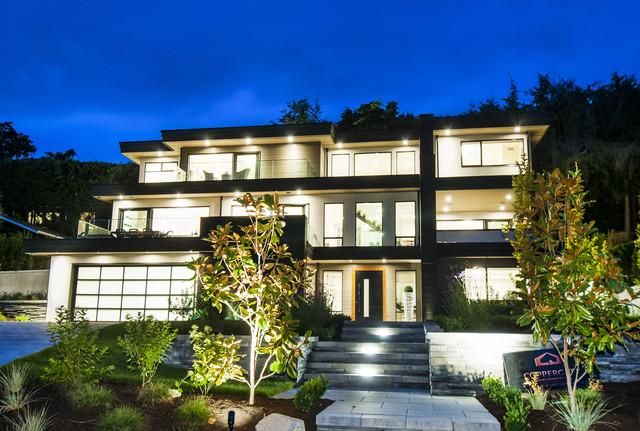 001 at 4113 Bayridge Avenue, Bayridge, West Vancouver