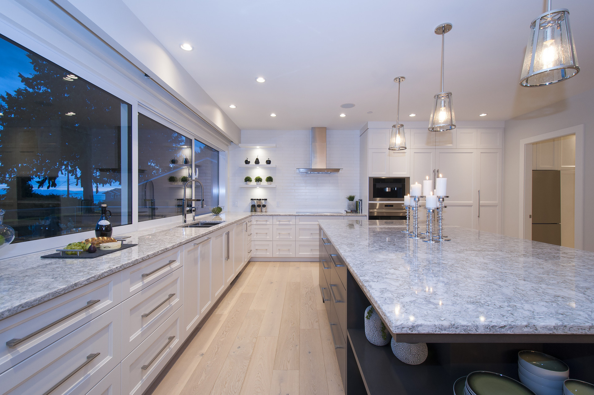 013 at 4113 Bayridge Avenue, Bayridge, West Vancouver