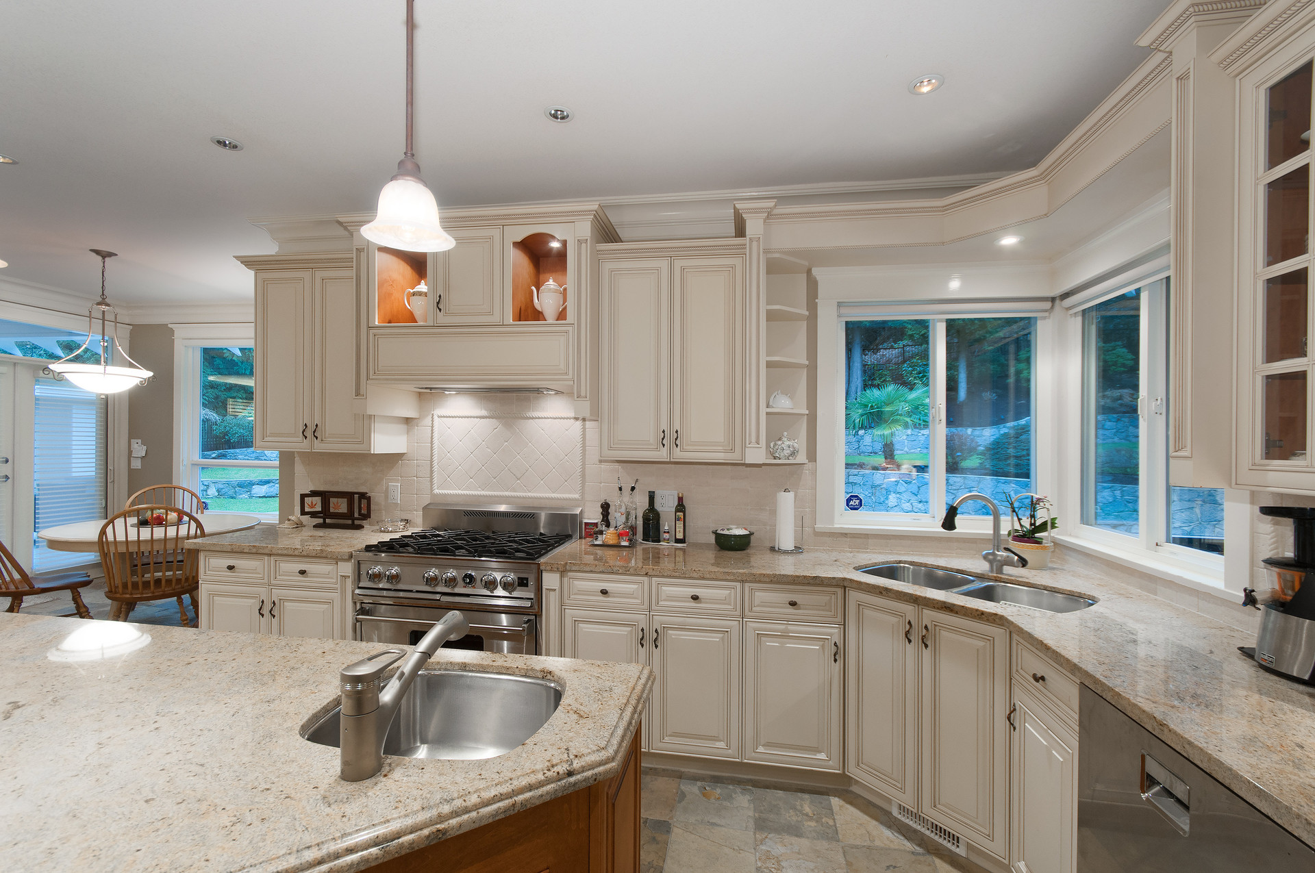 013 at 435 Southborough Drive, British Properties, West Vancouver