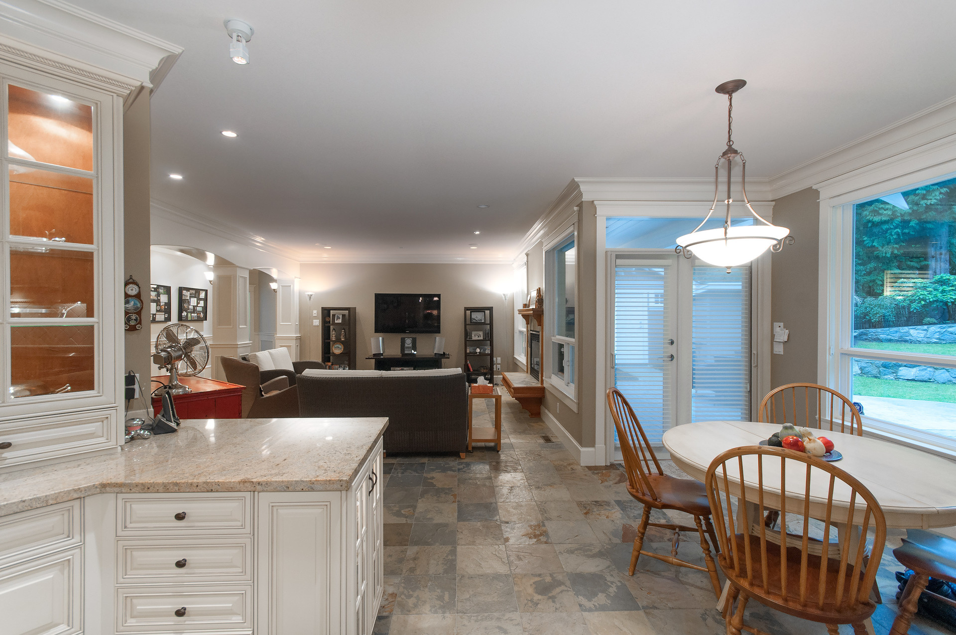 016 at 435 Southborough Drive, British Properties, West Vancouver
