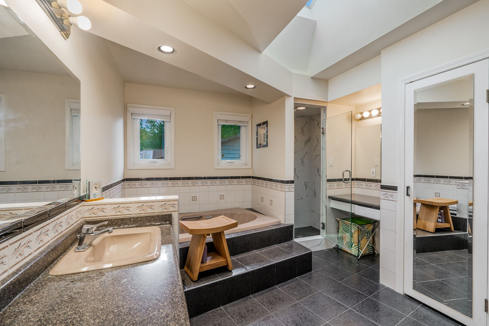 at 782 Browning Place, Blueridge NV, North Vancouver