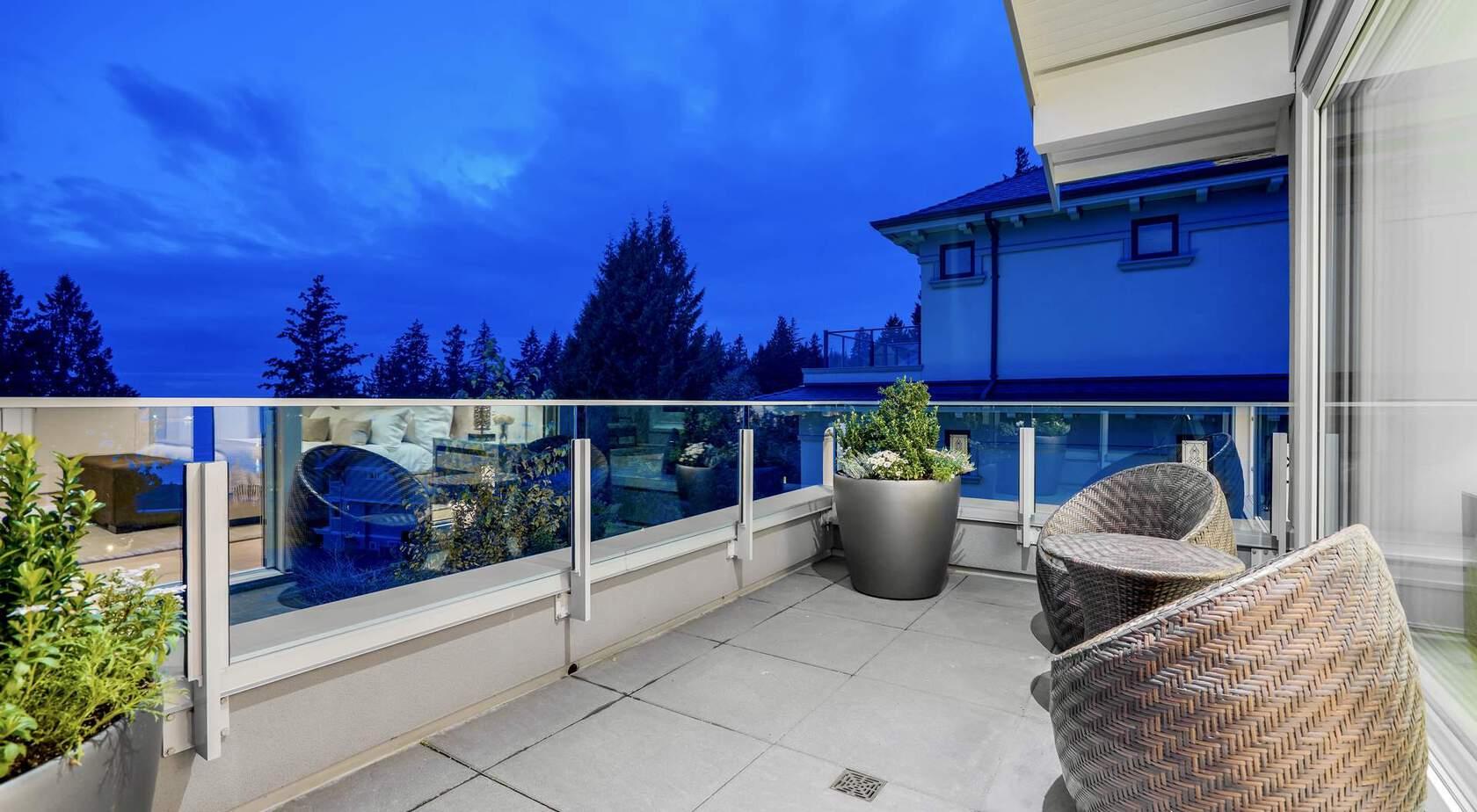 at 3326 Westmount Road, Westmount WV, West Vancouver
