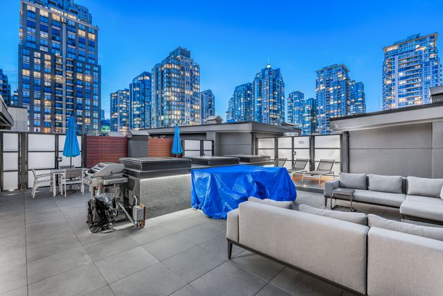 at 304 - 1066 Hamilton Street, Yaletown, Vancouver West