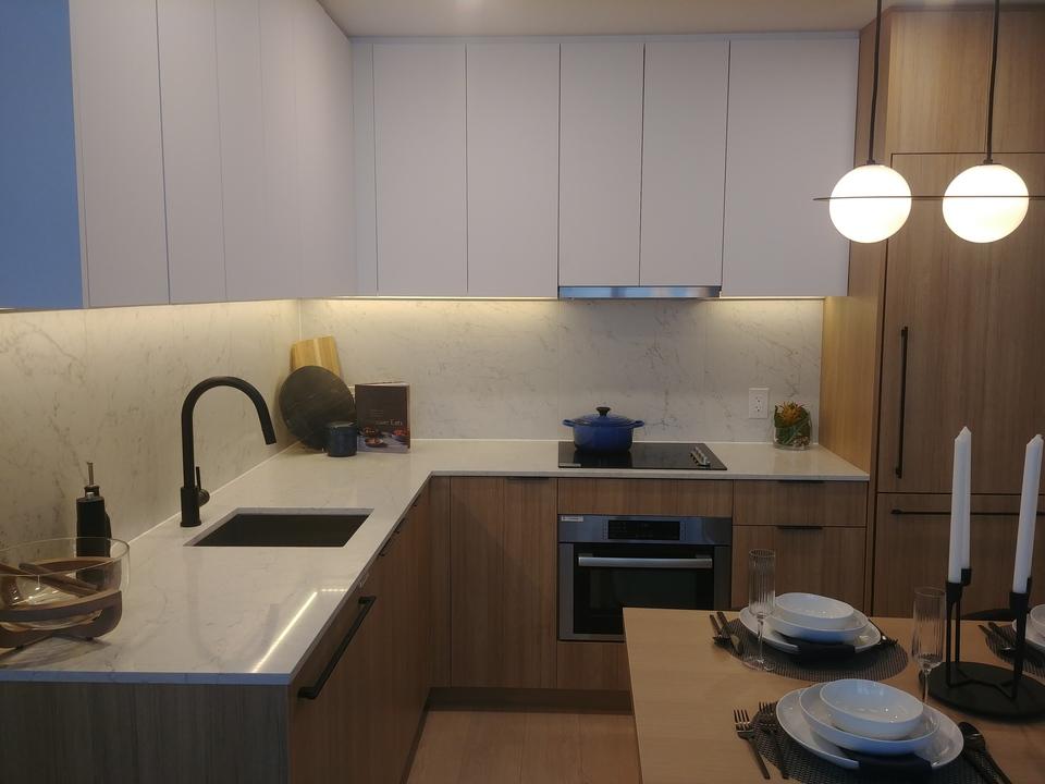 georgetown-one-kitchen-in-teak at Georgetown (13645 102 Avenue, Surrey Central (Central City), North Surrey)
