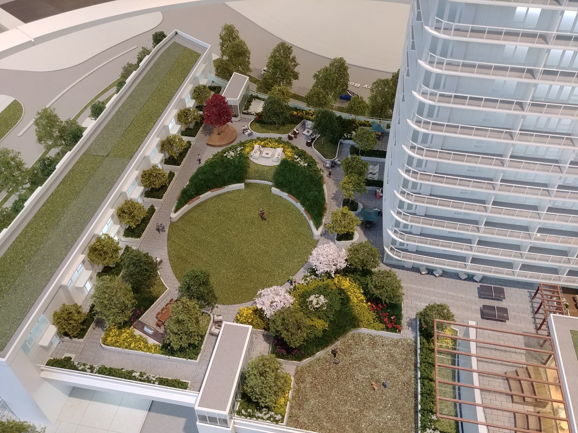georgetown-one-amenity-roof-deck at Georgetown (13645 102 Avenue, Surrey Central (Central City), North Surrey)