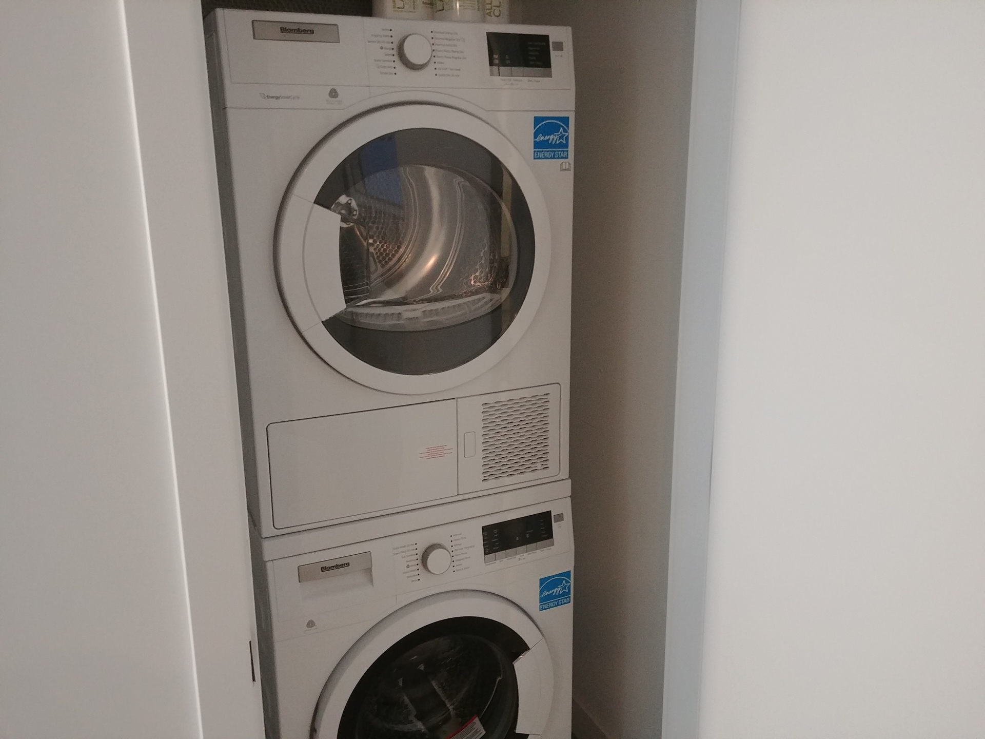 georgetown-one-blomberg-washer_dryer at Georgetown (13645 102 Avenue, Surrey Central (Central City), North Surrey)