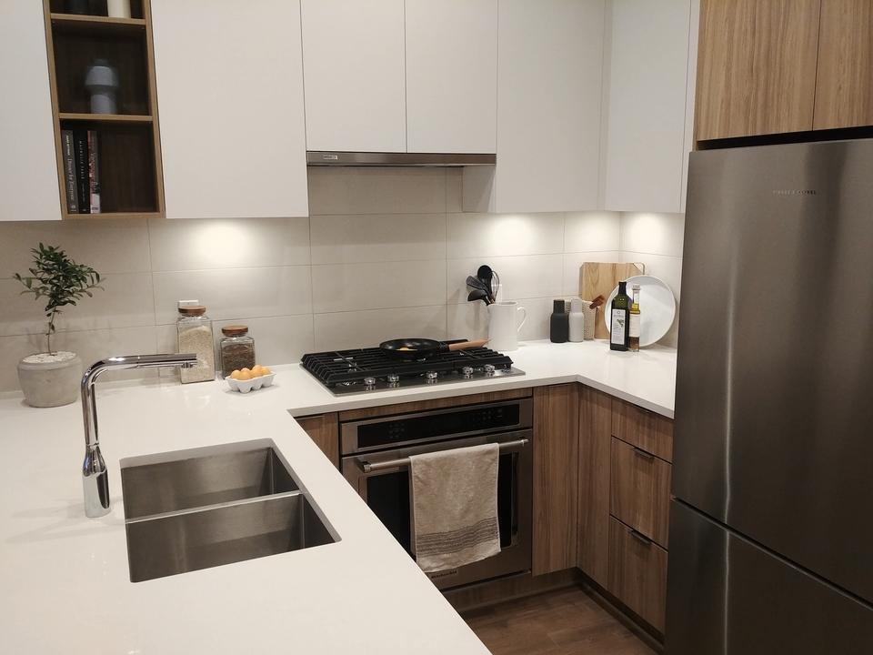Kitchen- light colour scheme at Kira (740 Dogwood Street, Coquitlam West, Coquitlam)
