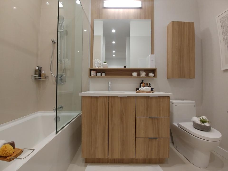 Bathroom- light colour scheme at Kira (740 Dogwood Street, Coquitlam West, Coquitlam)