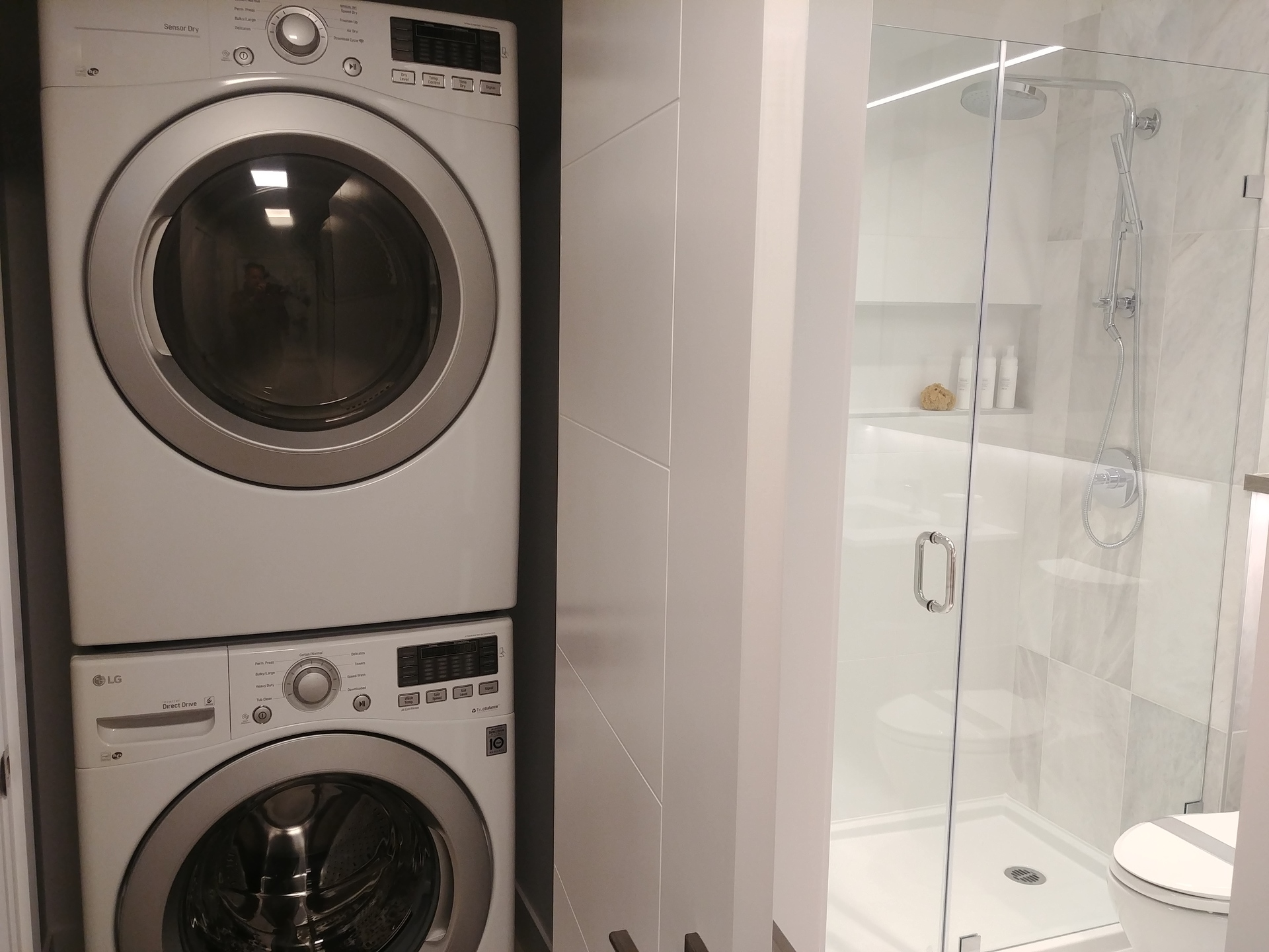 highline-full-size-washer-dryer at Highline (6811 Sussex Street, Metrotown, Burnaby South)