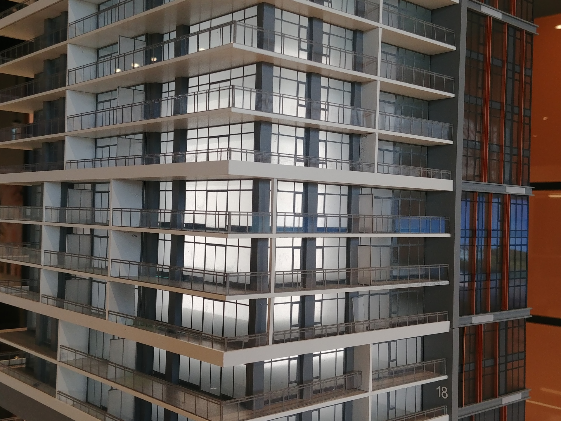 highline-se-facade at Highline (6811 Sussex Street, Metrotown, Burnaby South)