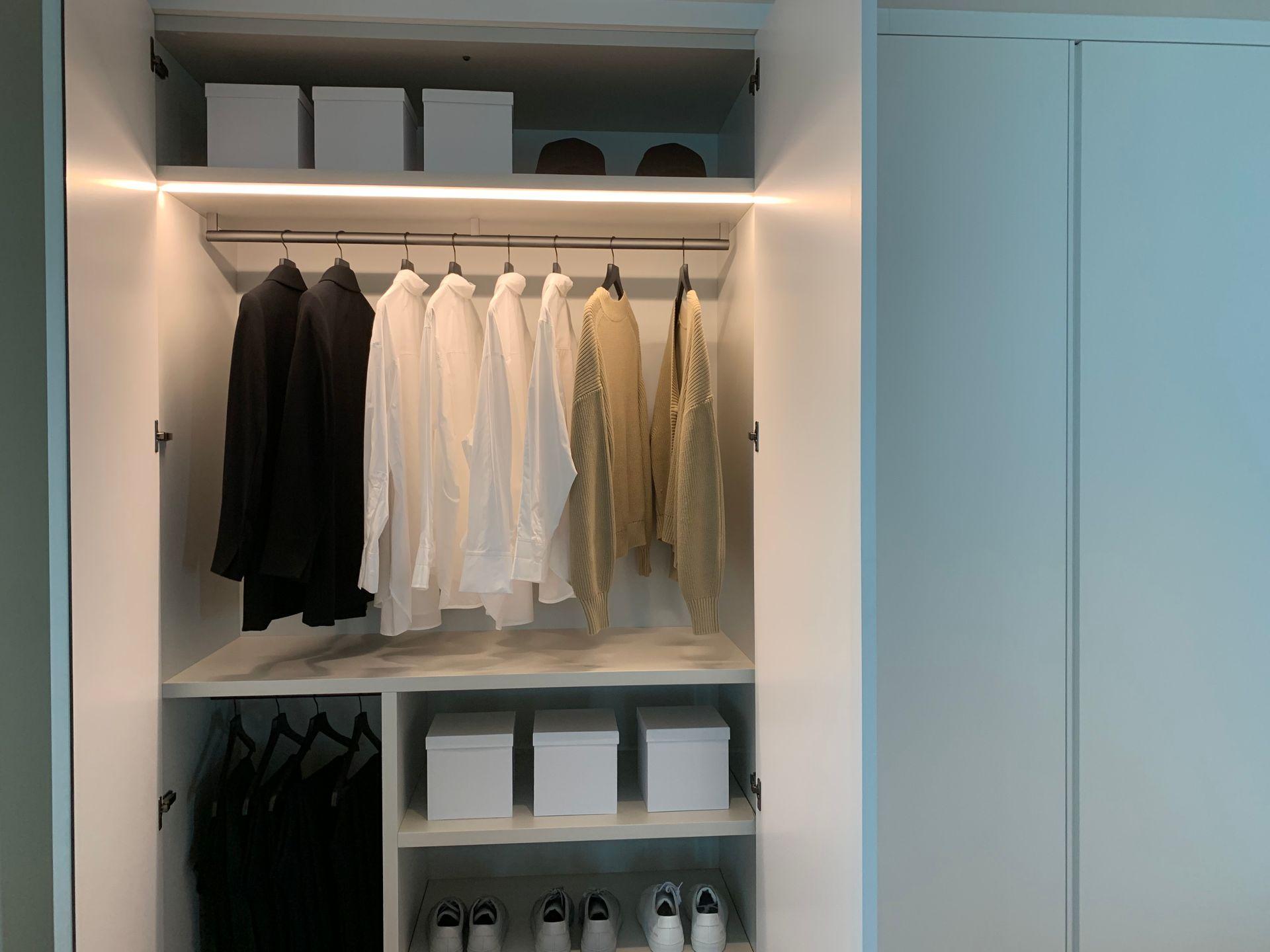 1515 wardrobe/closets designed by ole scheeren at Fifteen Fifteen (1515 Alberni Street, Coal Harbour, Vancouver West)