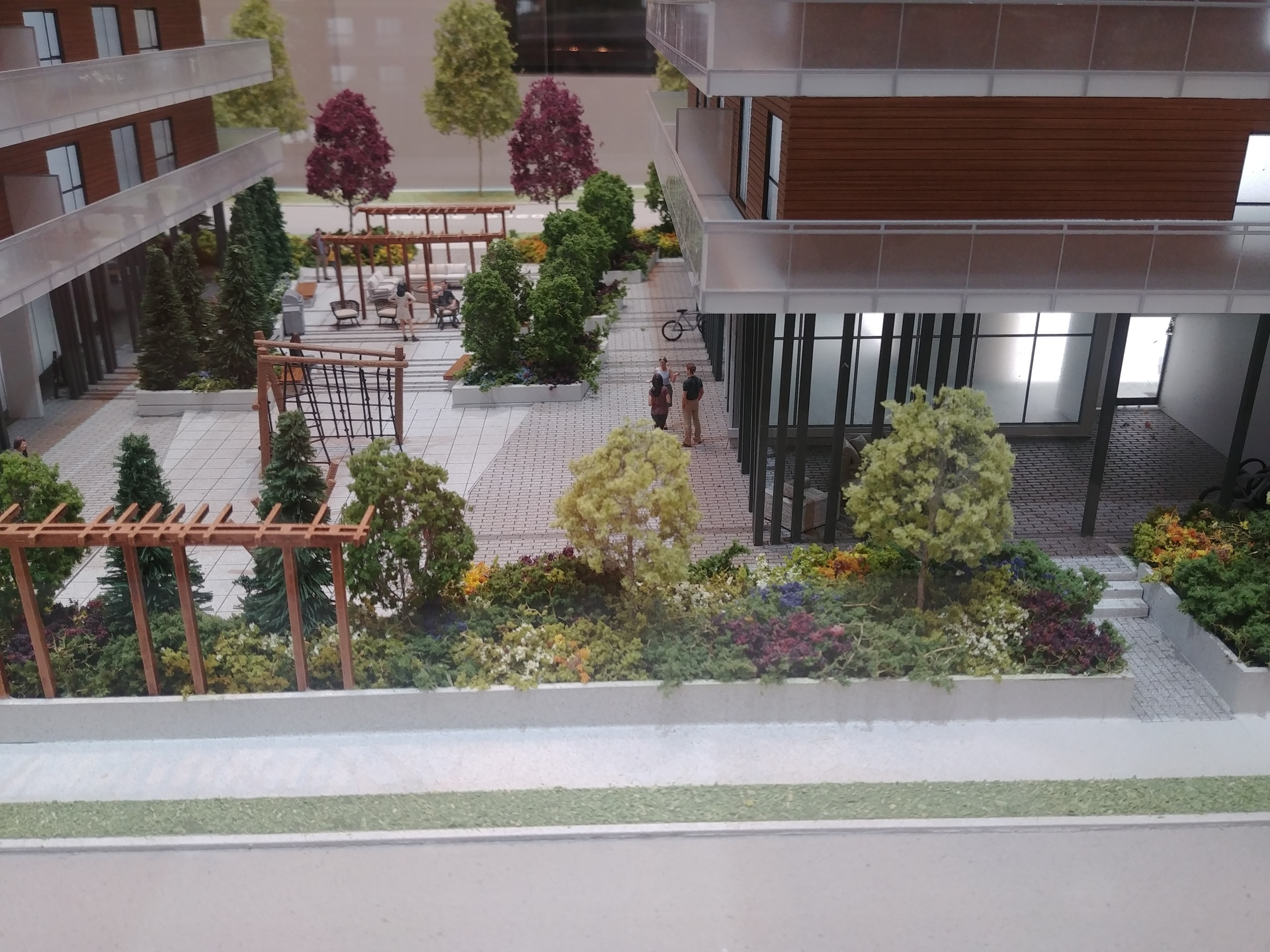 aristotle-communal-terrace-between-north-and-south-bldg at Aristotle (20203 84 Avenue, Willoughby Heights, Langley)